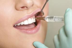 После удаления зуба выходит надкостница