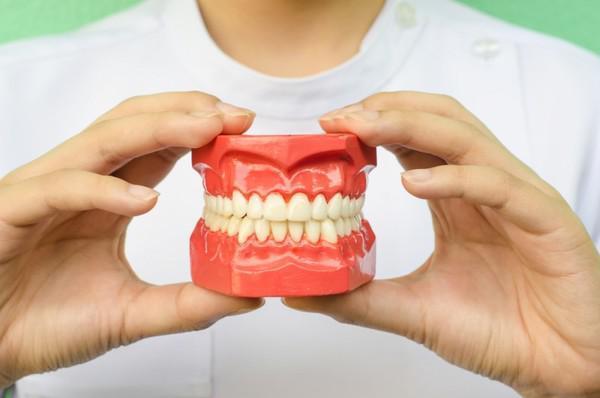 Щелкает челюсть при открытии рта и при жевании