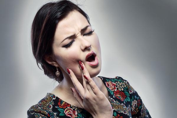 Что делать если сильно болит зуб ночью а таблеток нет