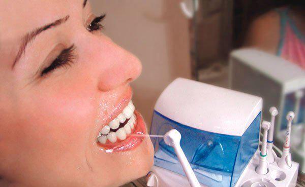 Чистить зубы аппаратом дома