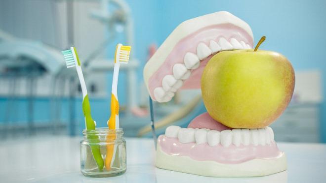 Через сколько можно есть после удаления зуба и что можно есть?