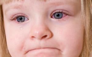 Когда режутся первые зубы