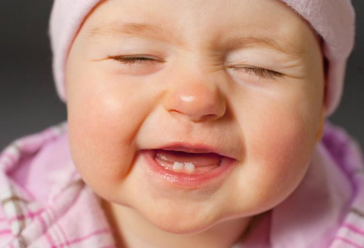 Рано вылезли зубы у ребенка — Зубы