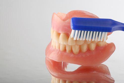 Как восстановить дикцию после протезирования зубов