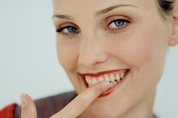 Шатается постоянный зуб у ребенка — Зубы