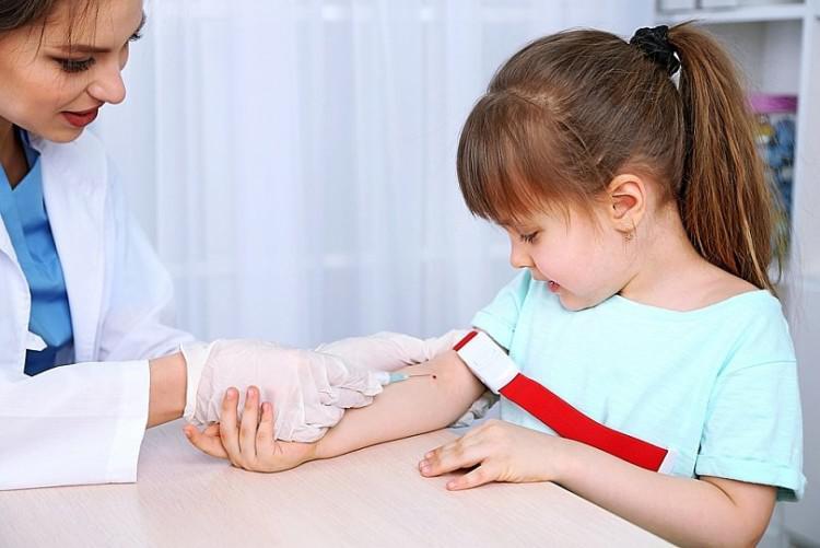 Что делать, если в крови человека понижены лейкоциты