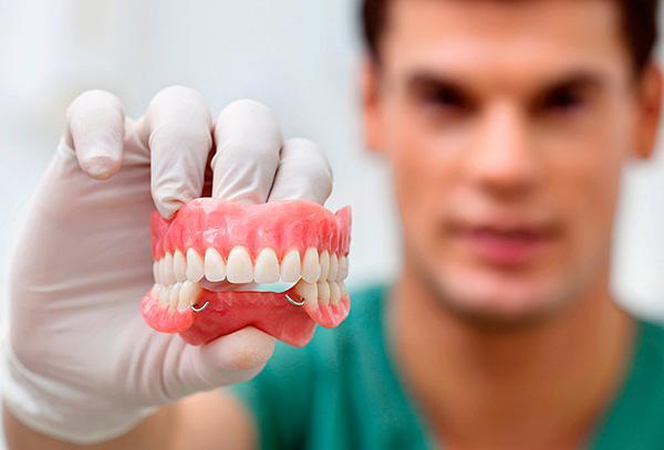 Сломался зубной протез чем склеить — Зубы
