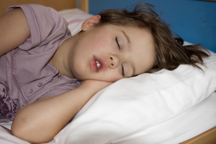 Ребенок 6 лет скрипит зубами ночью