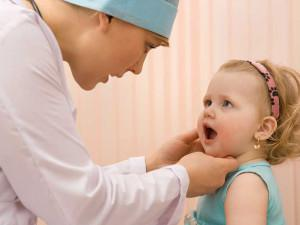 Как лечить стоматит у детей во рту: симптомы, фото и профилактика