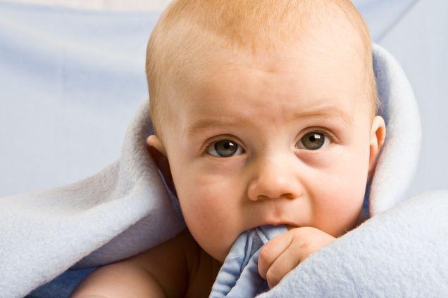 Рвота у малышей при прорезывании зубов