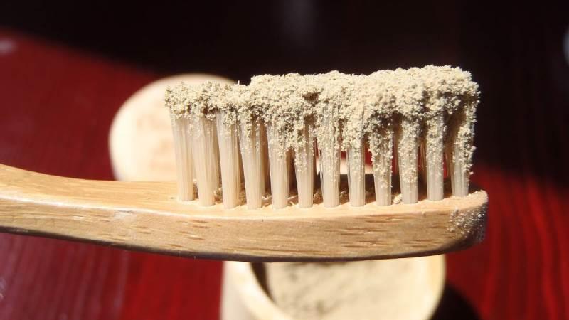 Можно ли чистить зубы каждый день зубным порошком?